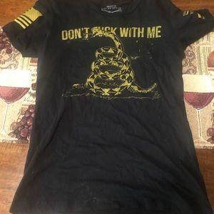 T-shirt size MED